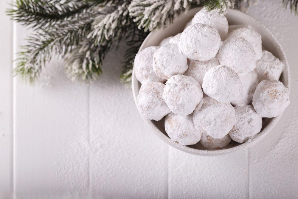 snowball-cookies-1182065049